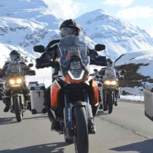 img-motorcycle-touring-travel-medical-insurance